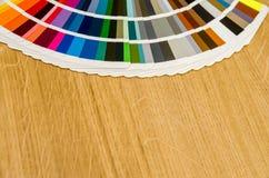 不同的颜色和树荫调色板  库存图片