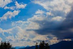 不同的颜色cloudscape  免版税库存照片