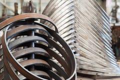不同的质量钢圆环  图库摄影
