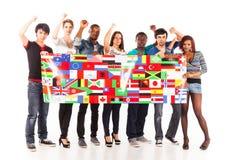 不同种族的小组年轻成人 免版税库存图片