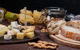 不同面包的干酪 免版税图库摄影