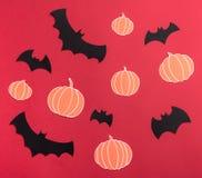 不同haloween在红色背景的标志 免版税库存照片