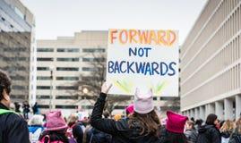 不向后批转-妇女3月-华盛顿特区 库存照片