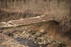 不安全的桥梁 免版税库存照片