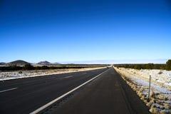 不尽的路在犹他,冬天 免版税库存图片
