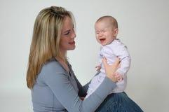 不快乐的婴孩 免版税库存照片