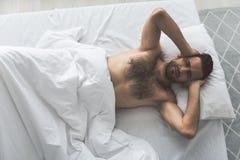 不满意的人不可能早晨睡觉 库存照片
