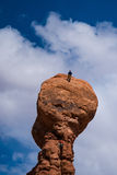 不祥之物的两个攀岩运动员在犹他 图库摄影