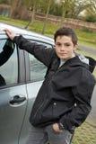 不耐烦地等乘驾的男孩 免版税库存照片