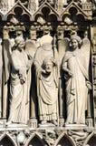 不要丢失您的头 cathedrale de法国贵妇人notre巴黎 免版税图库摄影