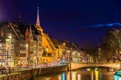 不适的河的堤防在史特拉斯堡-法国 免版税库存照片