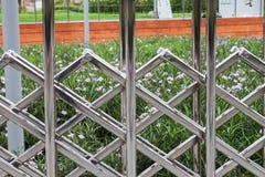 不锈钢折叠的篱芭 库存照片