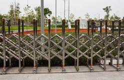 不锈钢折叠的篱芭 库存图片