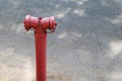 不维护和操作的老消防龙头 免版税库存图片