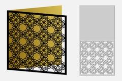 与一个重复的几何样式的卡片激光裁减的 库存照片