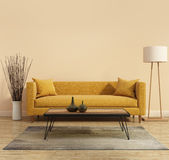 与一个黄色沙发的现代现代内部在有一个白色最小的浴缸的客厅 免版税库存图片