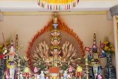 与一千条胳膊的Budha 图库摄影