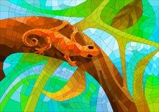 与一只蜥蜴的彩色玻璃在太阳下的森林里 库存图片