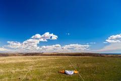 与一只风筝的图片在天空 免版税库存照片