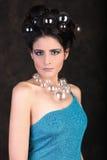 与一名美丽的妇女的高档时尚社论概念 库存图片