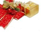 与一把大高雅红色弓的圣诞节背景 免版税库存照片
