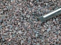 与一把量匙的喜马拉雅黑盐 图库摄影