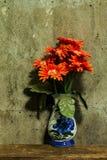 与一束花的静物画 库存照片