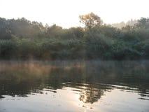 与一条河的风景在中央俄罗斯 库存照片