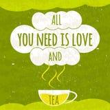 与一杯芬芳热的茶的水多的五颜六色的印刷海报在鲜绿色的背景的与刷新的纹理 关于t 免版税库存照片