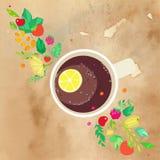 与一杯茶的图象的例证、莓果、叶子和分支 免版税库存照片