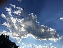与一线希望的云彩 库存图片