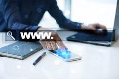 与万维网文本的查寻酒吧 网站, URL 数字式营销 事务、互联网和技术概念 免版税图库摄影