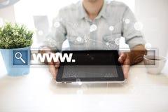 与万维网文本的查寻酒吧 网站, URL 数字式营销 事务、互联网和技术概念 图库摄影