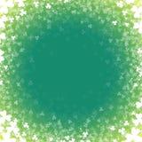 与三叶草的抽象背景 一张卡片为天帕特里克 免版税库存图片
