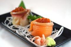 与三文鱼獐鹿的三文鱼寿司 库存照片