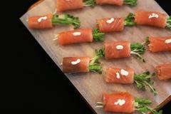 与三文鱼的开胃菜 免版税库存图片