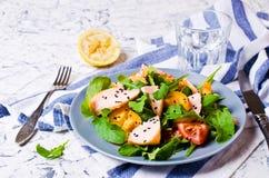 与三文鱼的沙拉 免版税库存图片