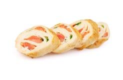 与三文鱼的玉米粉薄烙饼寿司 图库摄影