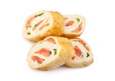 与三文鱼的玉米粉薄烙饼寿司 库存图片