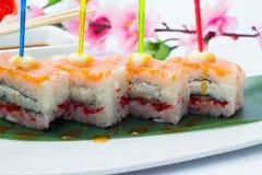 与三文鱼的翁志寿司 库存图片