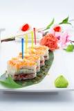 与三文鱼的翁志寿司 库存照片