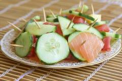与三文鱼cucumbe的开胃菜 图库摄影