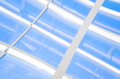 与三角和线的几何蓝色抽象背景 免版税库存图片