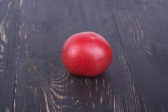 与下落的红色蕃茄 库存图片