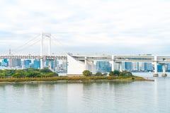 与东京塔和彩虹桥梁的东京地平线 免版税库存图片