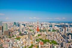 与东京铁塔的东京地平线 免版税库存图片