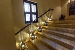 与东方灯的Staircasae 免版税图库摄影
