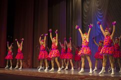 与东方舞蹈的Tamazur 免版税库存照片