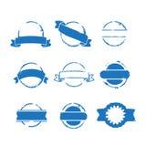 与丝带的圆的蓝色邮票 免版税图库摄影