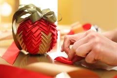与丝带的圣诞节装饰品 图库摄影